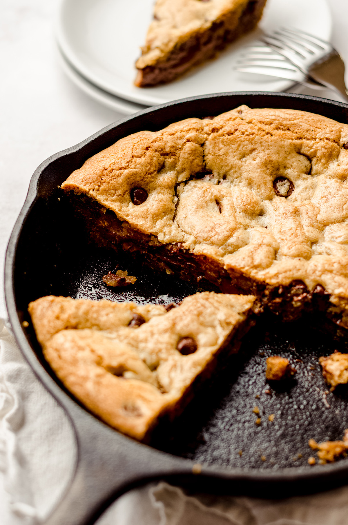 nutella cookie cake in a skillet
