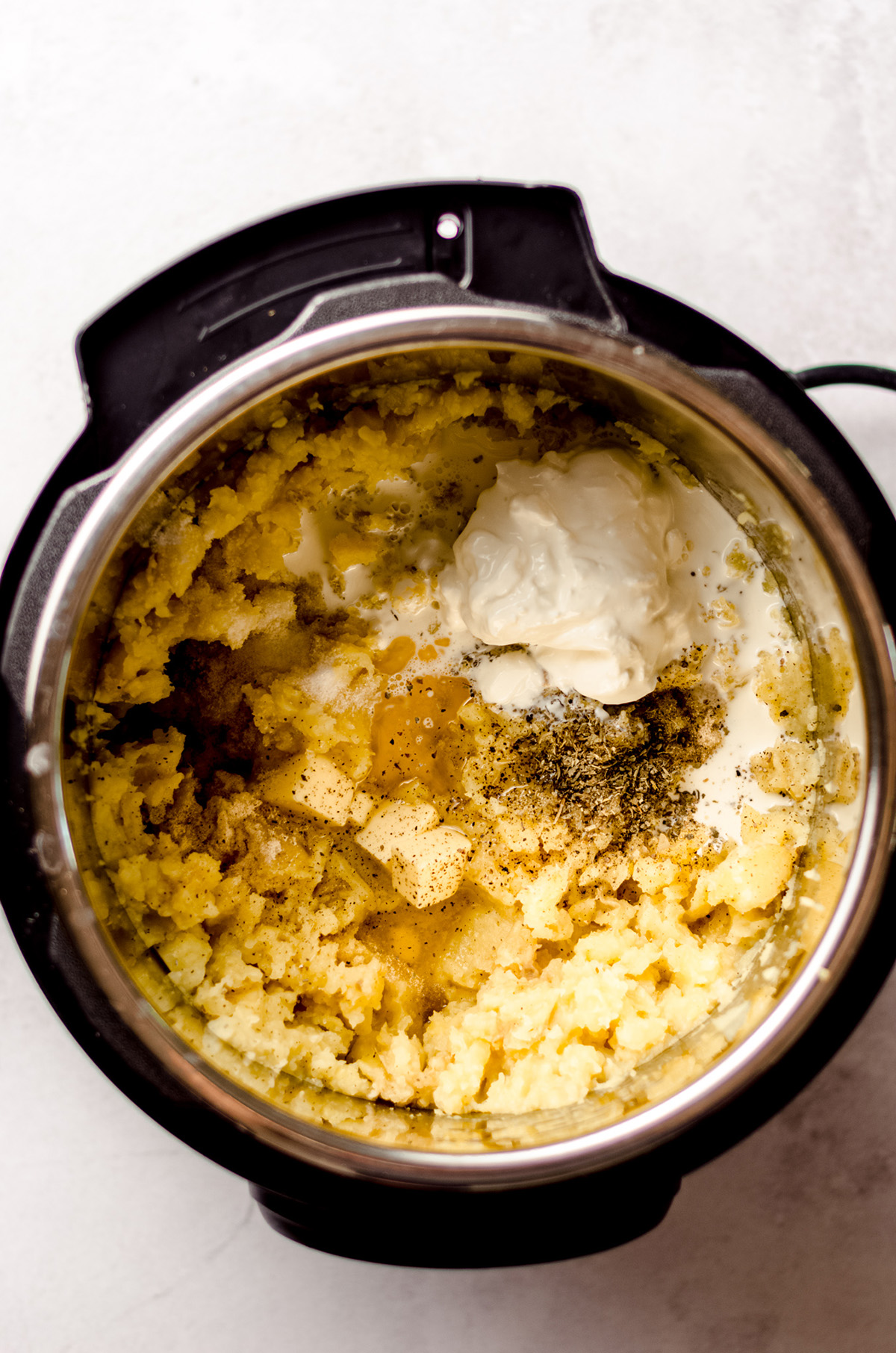 garlic mashed potatoes ingredients cooked in an instant pot