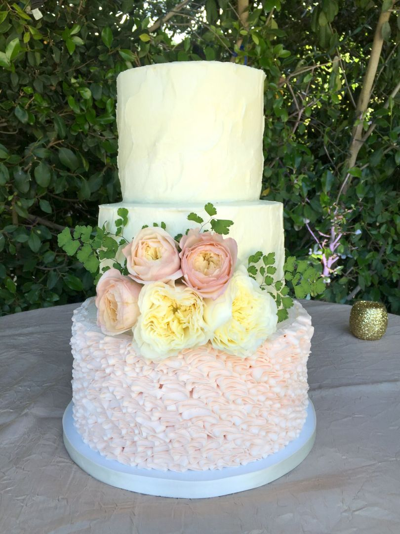 How Much Should I Budget for my Wedding Cake      Frost It Cupcakery rustic ruffle wedding cake