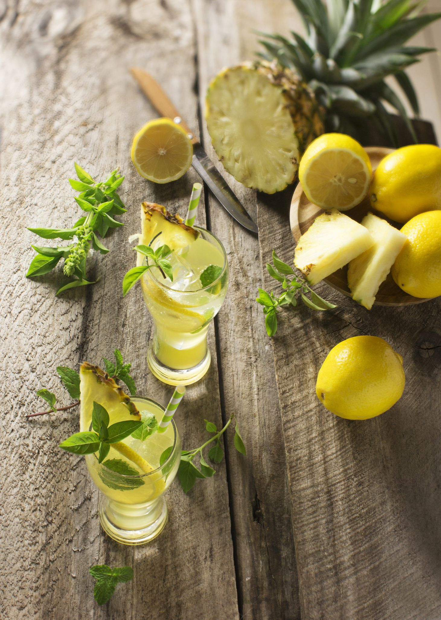 Pineapple Coconut Water Lime Amp Mint Detox Tonic Recipe