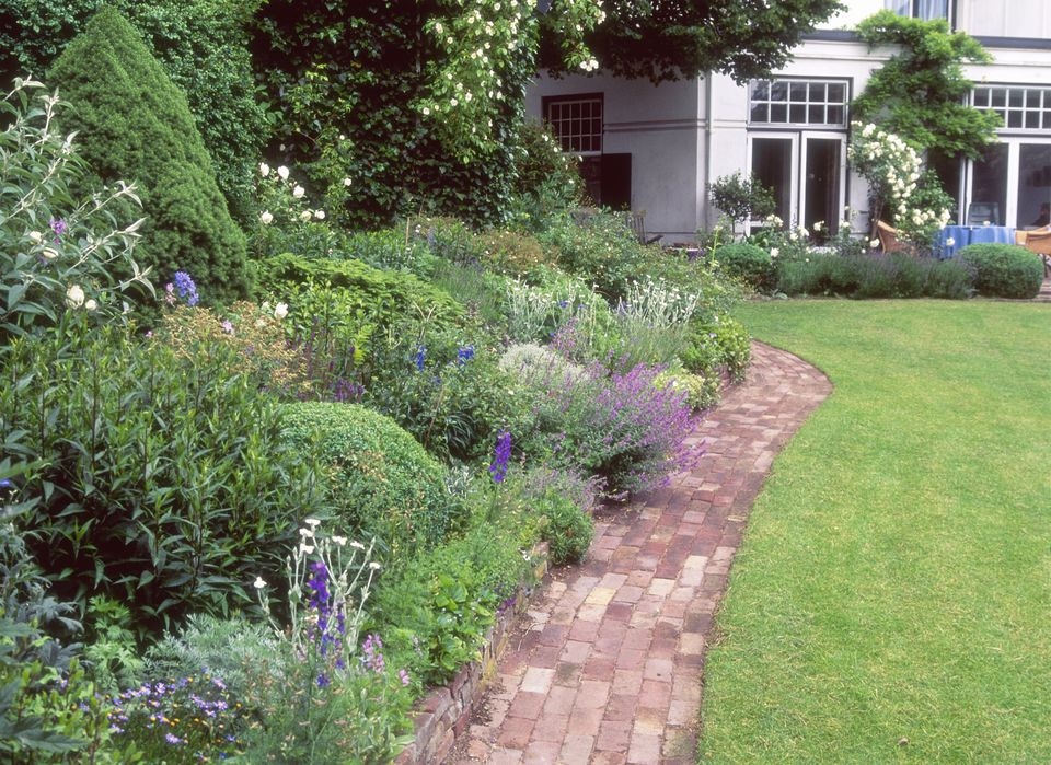 Summer Flower Garden Border Ideas