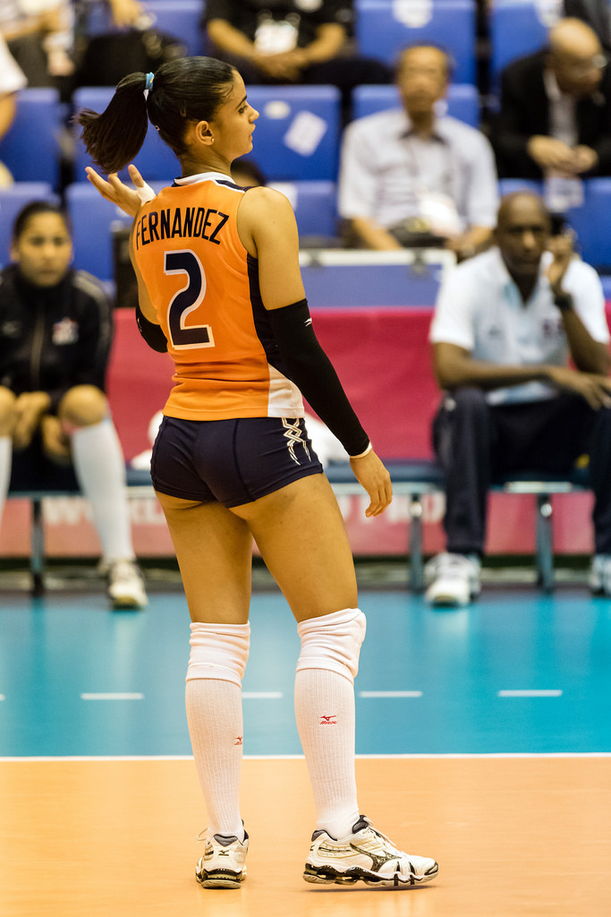 women's volleyball players - 683×853
