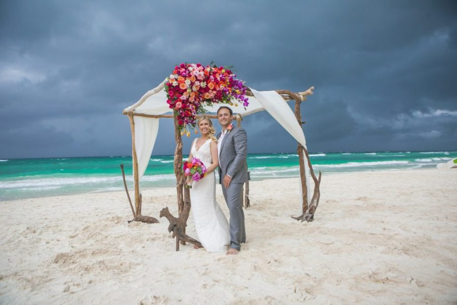 the bride s guide for coping with a rainy beach wedding  7 essential     rain on your wedding day shane brandon