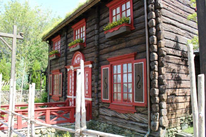 new-disney-world-attractions-anna-elsa-cottage