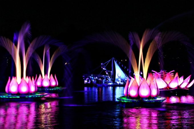 We got a sneak peak at the new Rivers Of Light Show at the Disney Social Media Moms Celebration