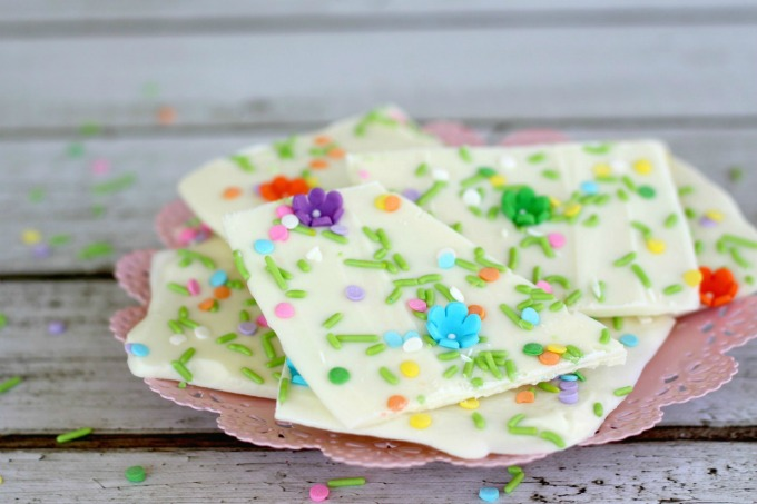 Celebrate spring with this white chocolate bark recipe