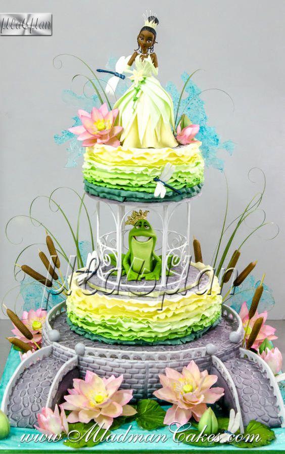 Disney princess cakes with Tiana and frog