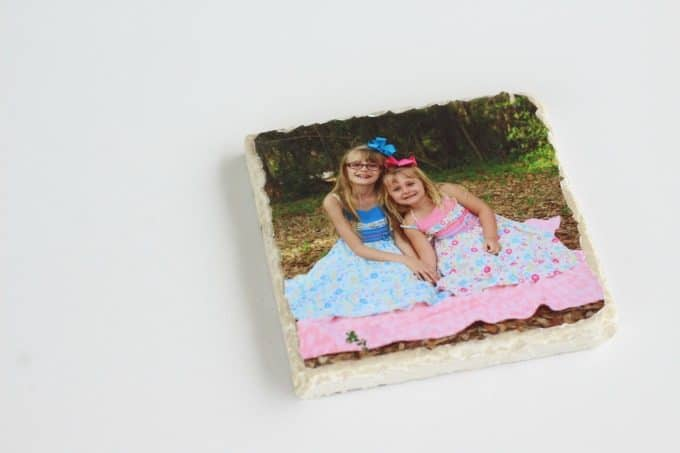 Place your photo on the tile.