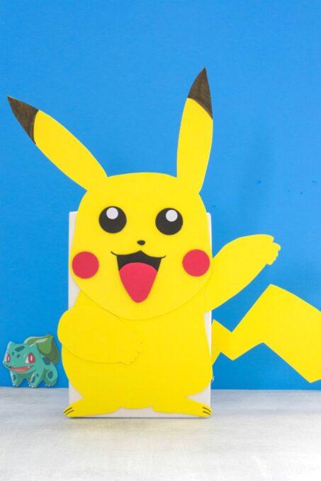 Pikachu Valentine Box with blue background