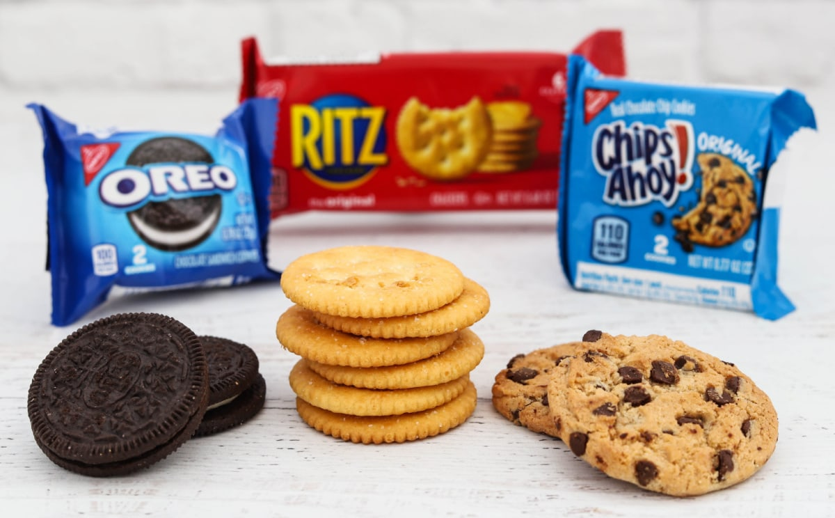 Cookies and crackers for after school snacks