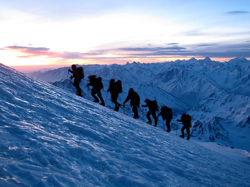 Где находится гора Эльбрус - страна, карта, вулкан, курорты