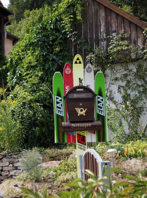 Deko-Idee mit alten Skier
