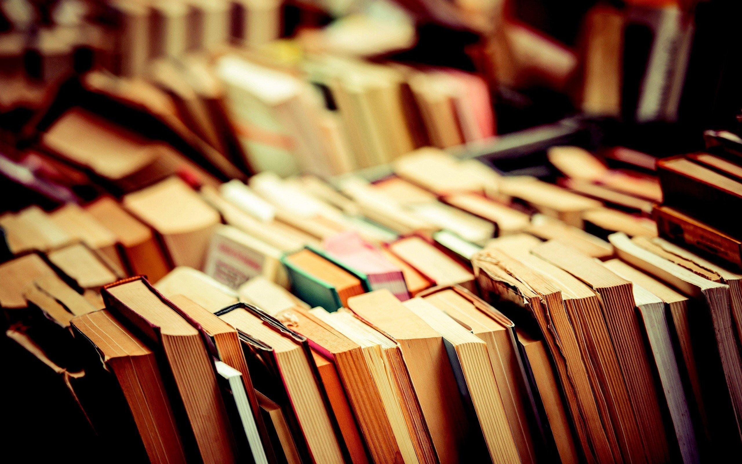 pile of books - HD1200×800