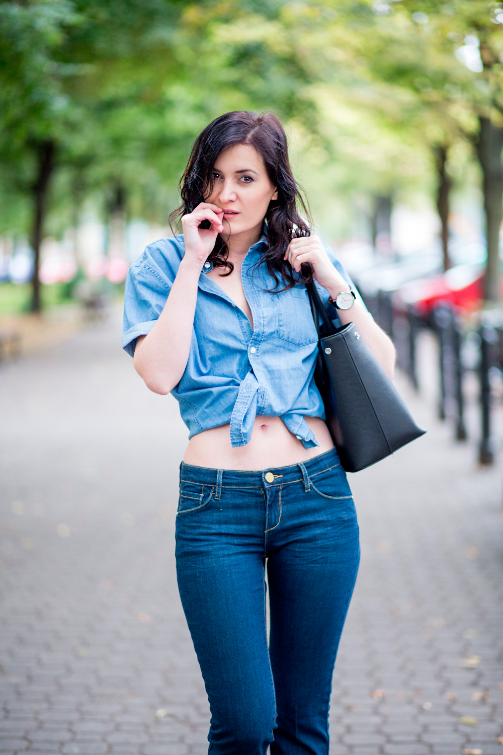 Bell Bottom Jeans Amp Tied Jeans Shirt Street Fashion