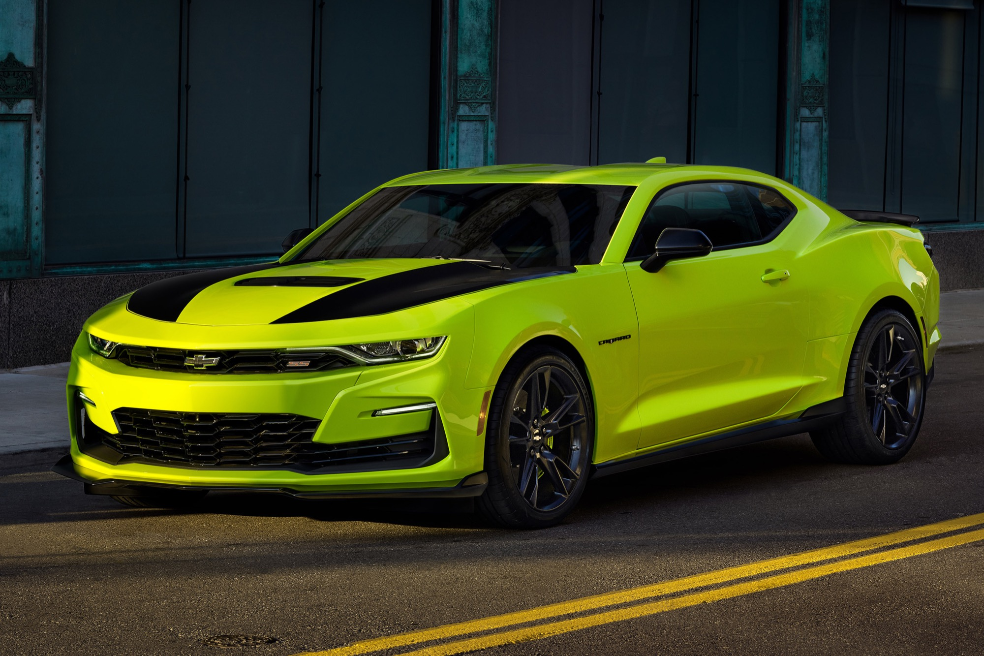 Chevy Announces New Shock Color For 2019 Camaro | GM Authority