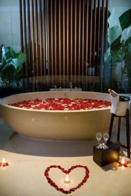 22 Cozy Valentine Bathroom Decoration Ideas
