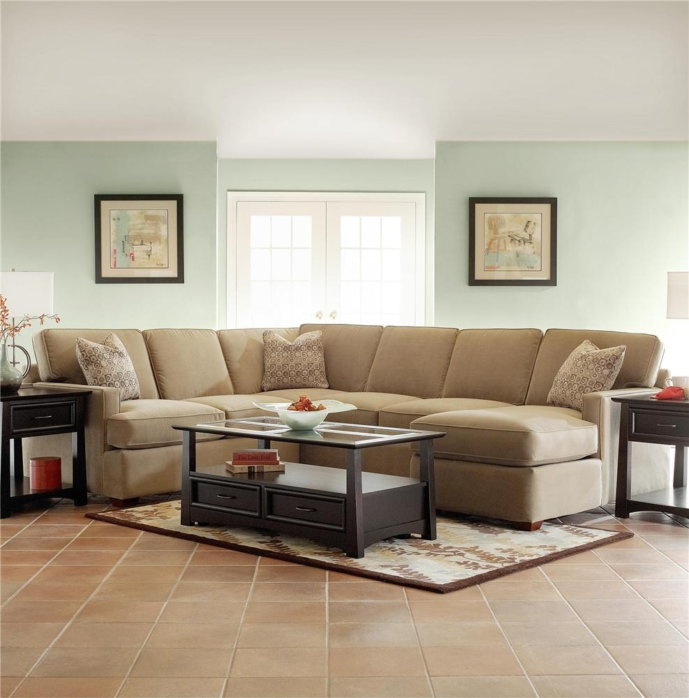 Small Sectional Sofa Decorating Ideas