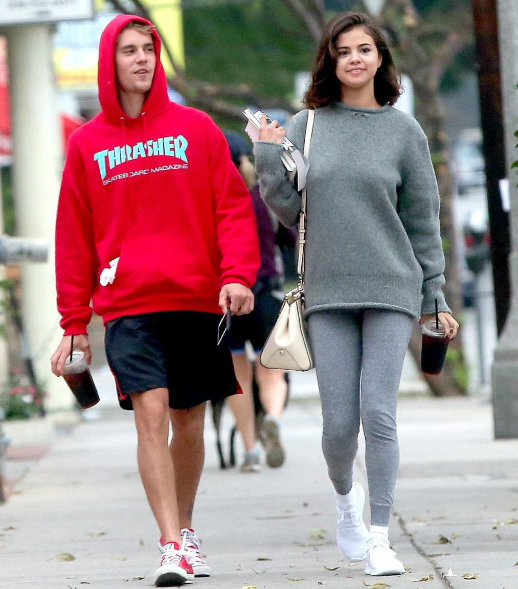 Justin Bieber's Mother Approves Of His Relationship With ...