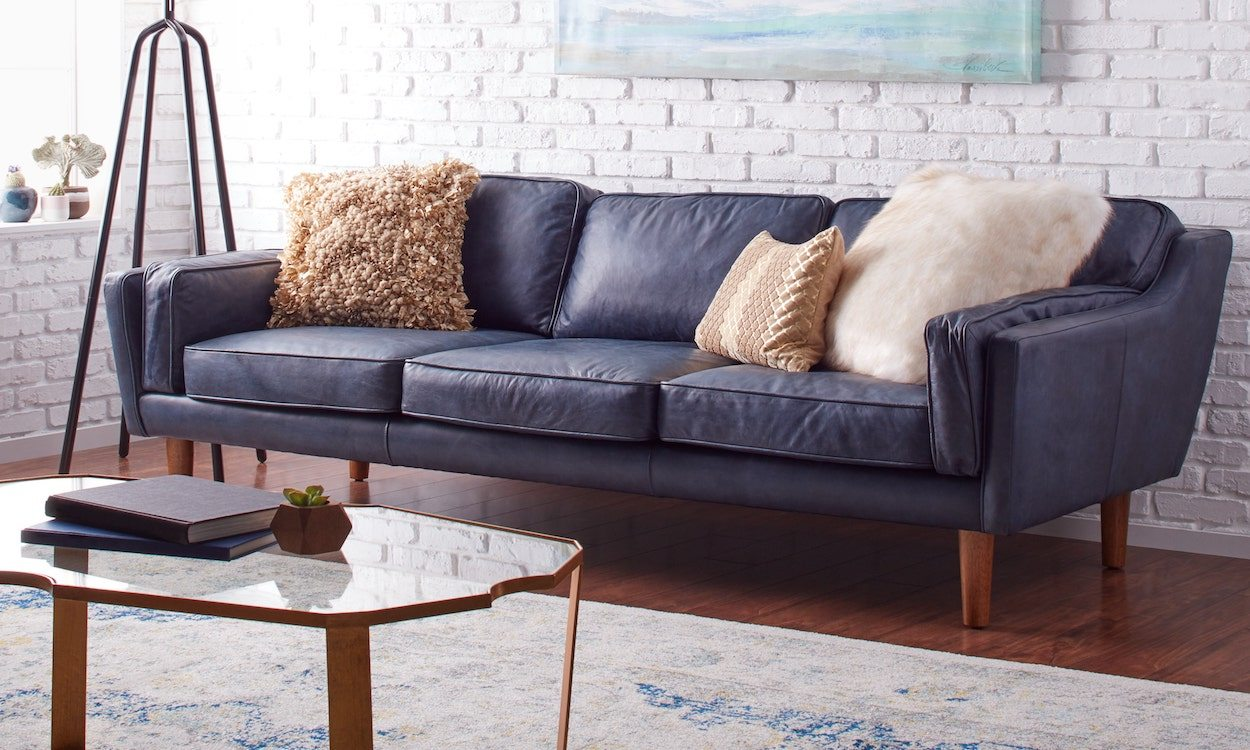 How to Decorate with a Blue Sofa   Overstock com Tips   Ideas How to Decorate with a Blue Sofa