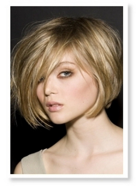 Round Hairstyles Bangs Faces Medium Length
