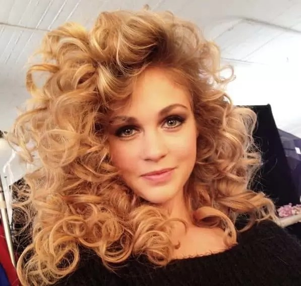List of 33 Most Popular 80 s Hairstyles for Women  Updated  Big curls with volume is a perfect prom hairstyle  A perfect style to rock  the dance floor  Curls and volume is the perfect go to hairstyles in 80 s