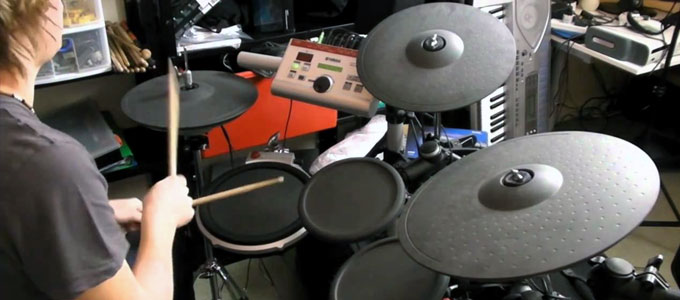 Set drum pad elektrik (youtube: TechReviewLive)