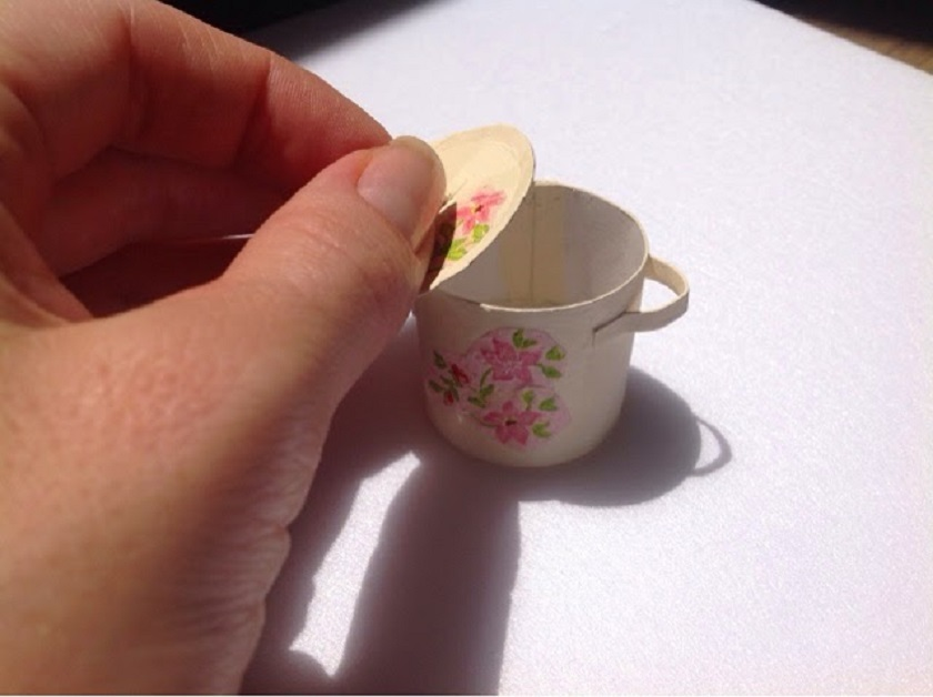 Чашечка для кукольной кухни