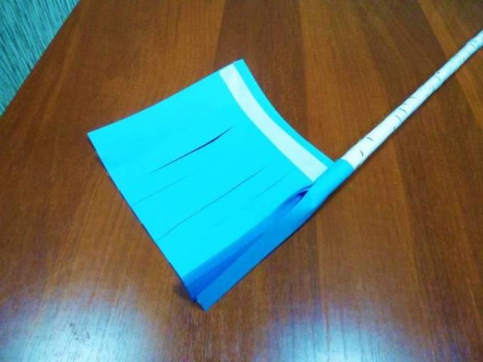 يحتاج Bahrome من الورق الملون إلى تشغيل ساق مكنسة ثلج