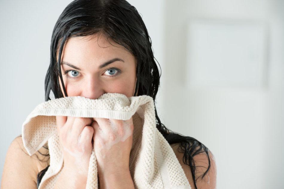 Температура мен жоғары температурада басыңызды жууға бола ма?