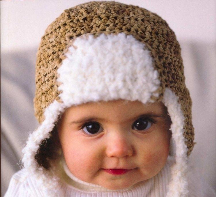 Padrão de esquema para bonés de tricô e severo para meninas
