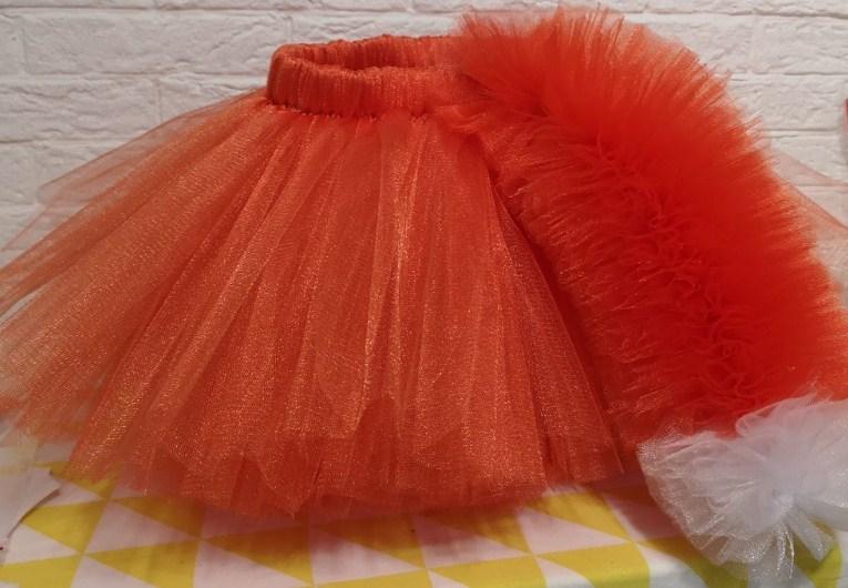 Lyse nederdel
