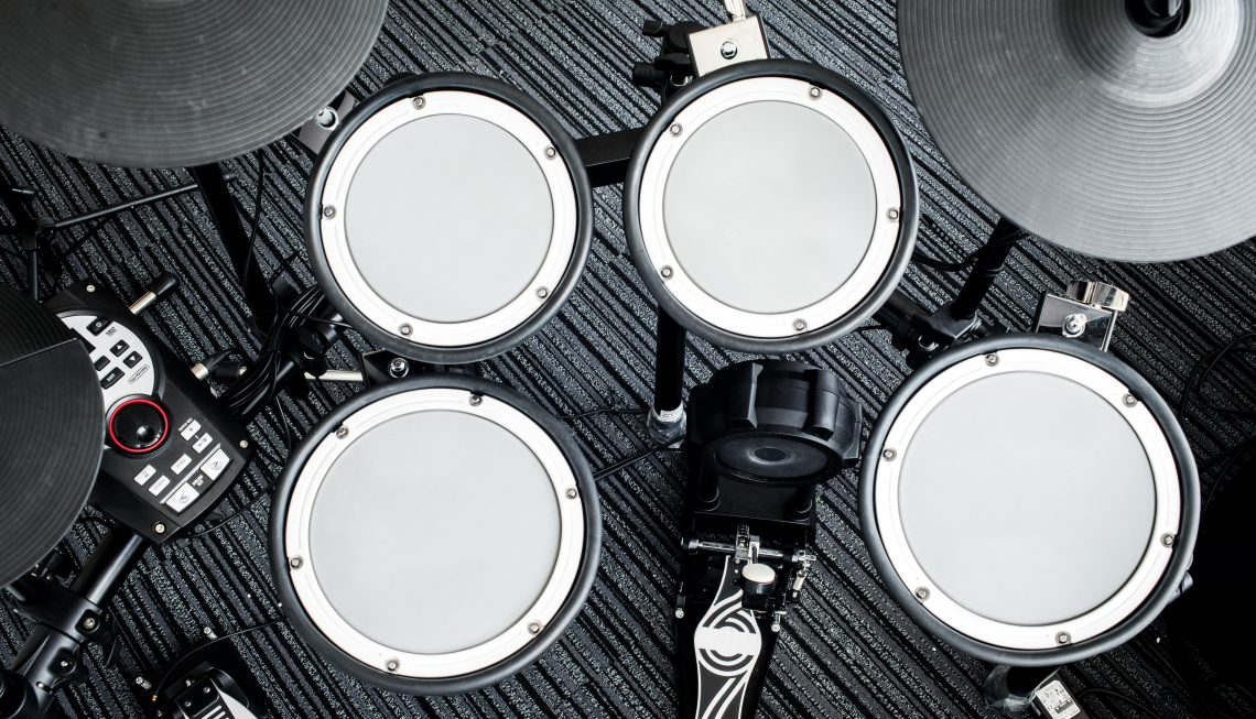 The Best Electronic Drum Set        Hear the Music Play Buying any set of drums can be a daunting task  But if you are an acoustic  drummer looking to buy an electronic drum set  the differences you  encounter may