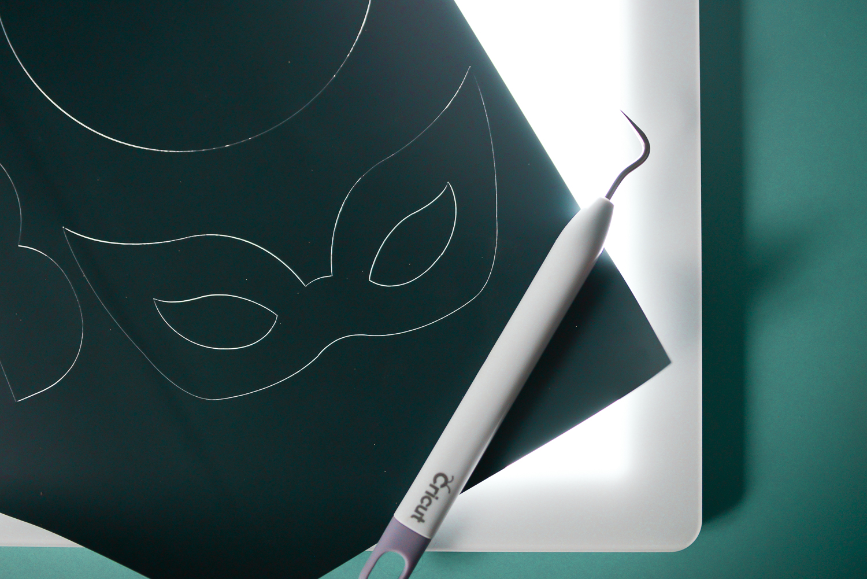 Use the Cricut Brightpad to make weeding easier