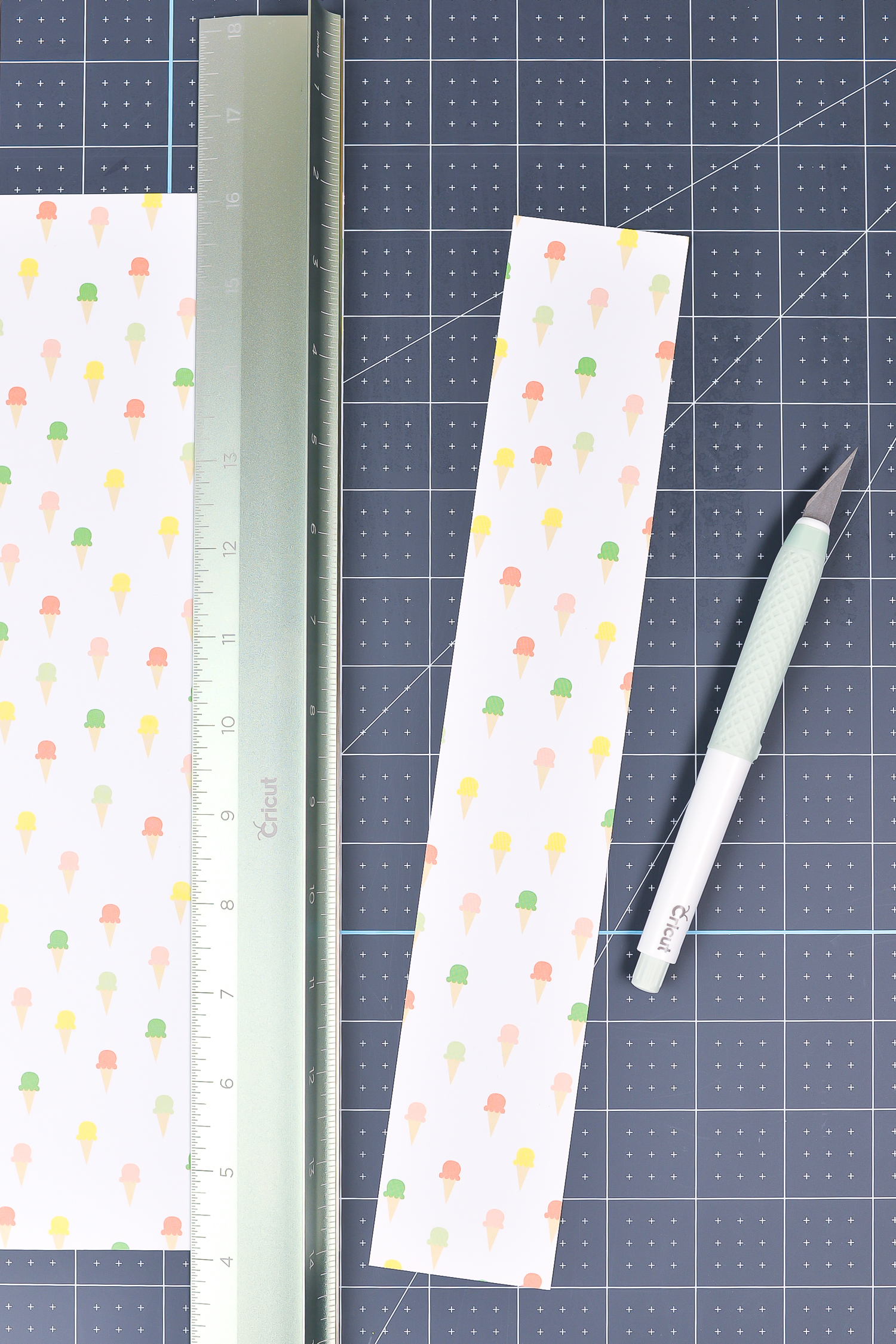 Cricut Hand Tools: The True Control Knife with Cutting Ruler and Cutting Mat