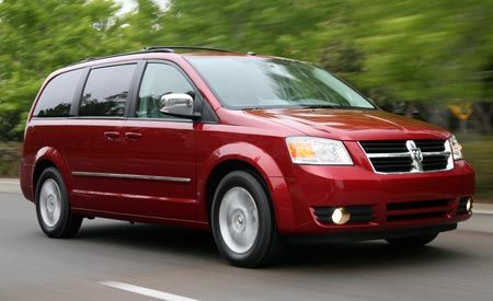 2008 Chrysler Town Amp Country And Dodge Grand Caravan First Drive Review Reviews Car And Driver