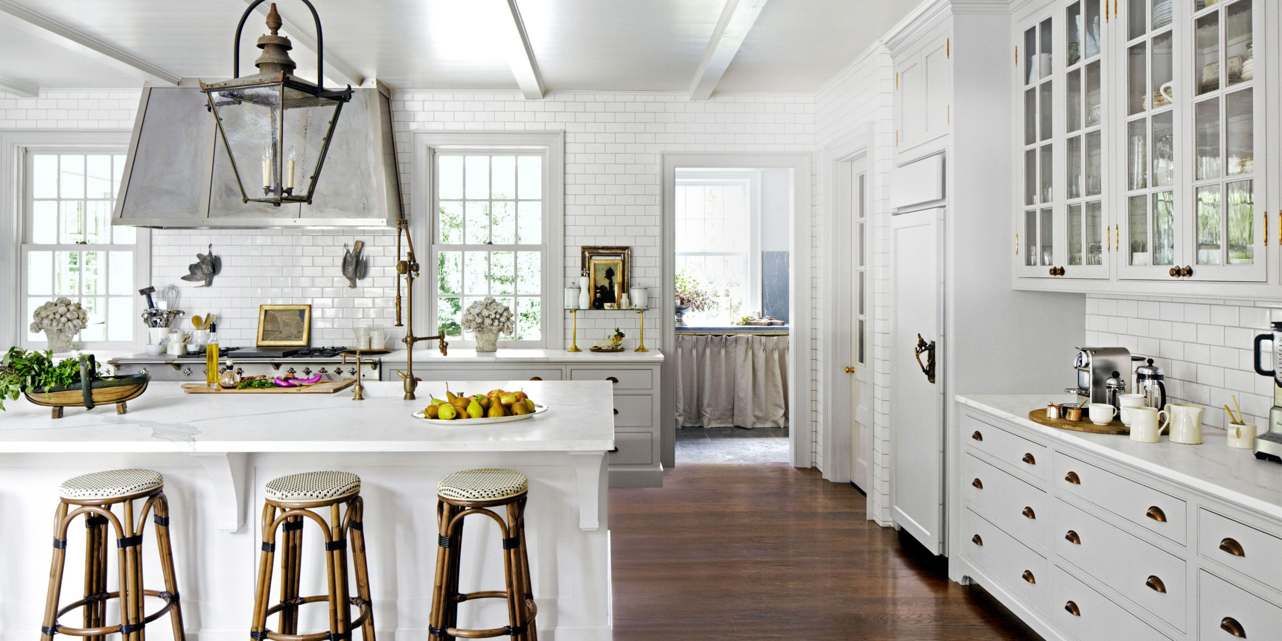 24 Best White Kitchens   Pictures of White Kitchen Design Ideas You can t go wrong with white in the kitchen  so sit back and let these  fabulous ideas and pictures inspire you to take your kitchen from drab to  dazzling