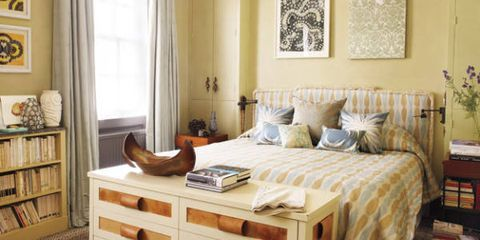End Of Bed Decor How To Style The Foot Of The Bed