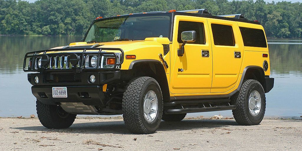 Every Single Reason The Hummer H2 Was So Stupid Laid Out In One Video