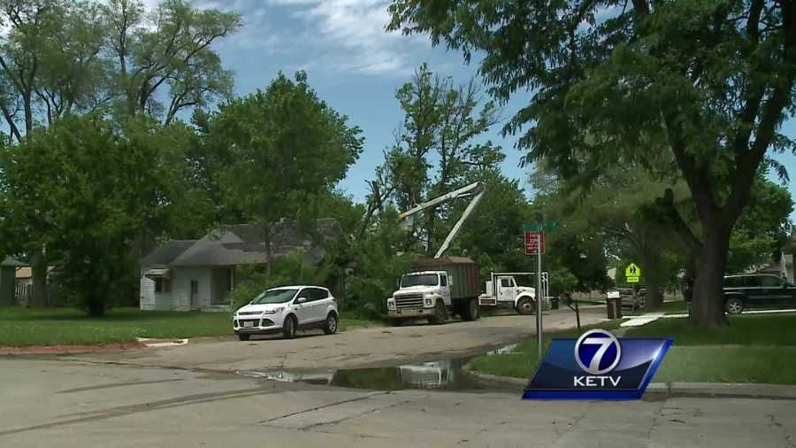 Fremont residents wake up to storm damage Thursday