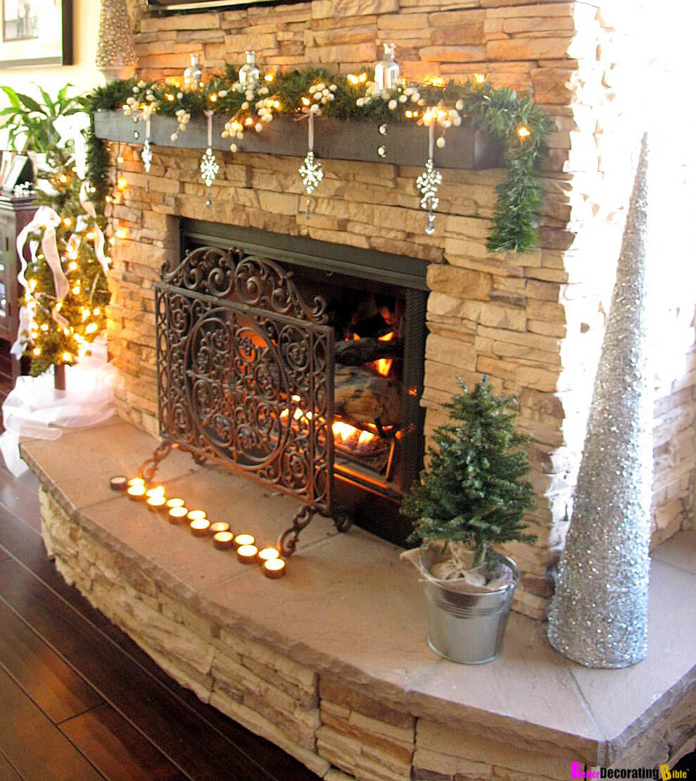 32 Best Christmas Mantel Decoration Ideas And Designs For 2020