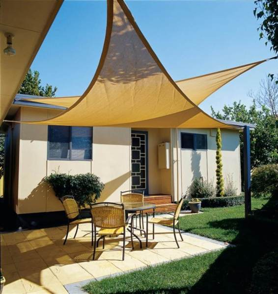 22 Best DIY Sun Shade Ideas and Designs for 2018 Overlapping Backyard Sun Sails