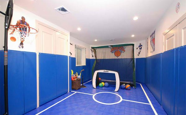 Sports Themed Family Room Decorating Ideas
