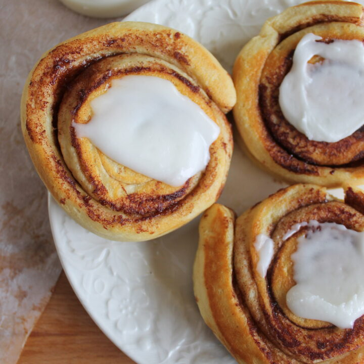 camp cooker cinnamon buns