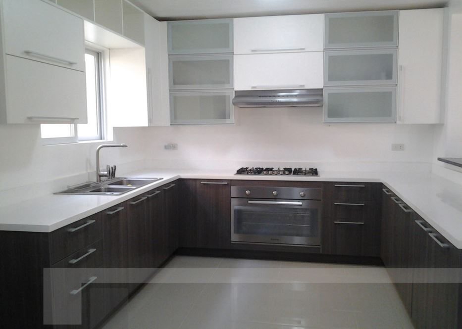 Shaped T Layout Kitchen
