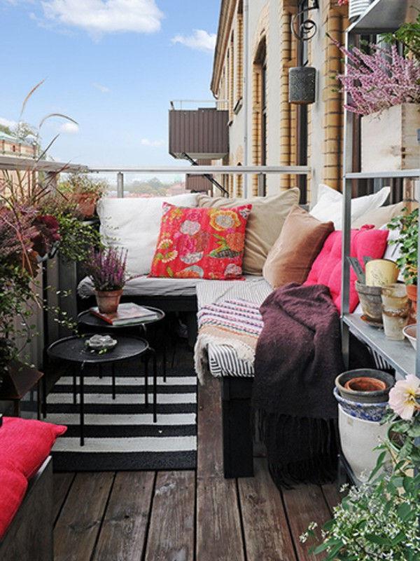 Wood Outdoor Furniture For Cozy Balcony
