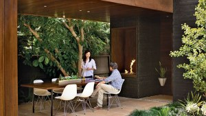 Modern Outdoor Dining Room