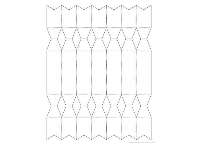 Распечатываем шаблон, при необходимости увеличиваем его