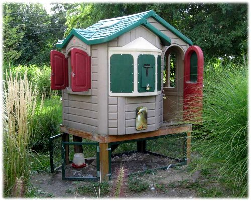 Awesome And Interesting Chicken Coops For The Backyard