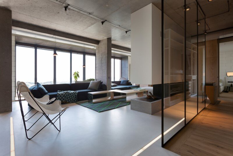 Penthouse With Concrete Ceiling And A Glass Wall Windows