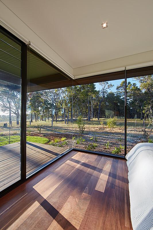 Modern Australian Farm House With Passive Solar Design